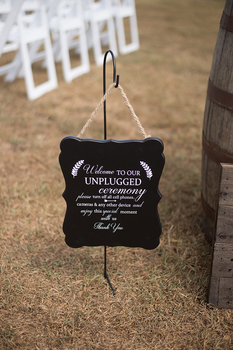 sara-tiffany-photography-cousiac-manor-wedding-navy-pink-country-photo-4