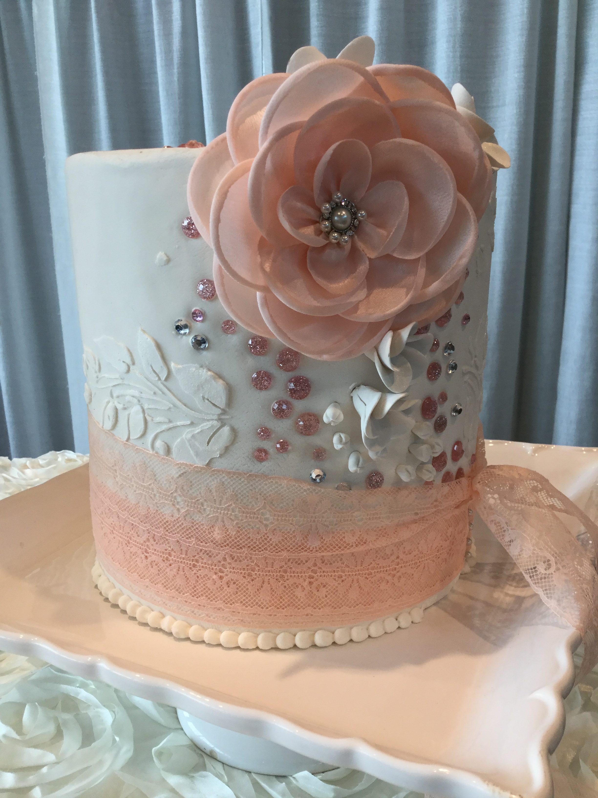 And This Pretty Little Cake With Gorgeous Details